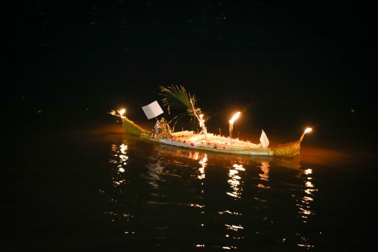 BoatRacing-110